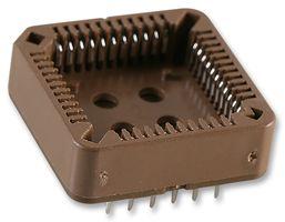 Patice pro PLCC44. Piny mají standardní rozteč 2,54 mm a jsou rozmístěny ve dvou řadách na každe straně.