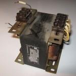 Velmi težký transformátor s výkonem 125 VA.