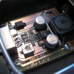 Detail osazené DPS. Vlevo je USB konektor.