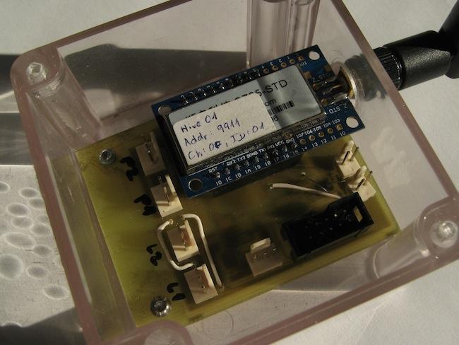 Měřicí část: ATMega328, INA125, RTC a ZigBee 2,4GHz.