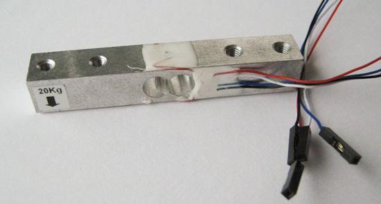 Druhý použitý tenzometr o rozměrech 80x13x13 mm.