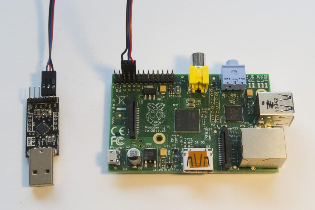 Raspberry PI připojeno k USB-UART převodníku.